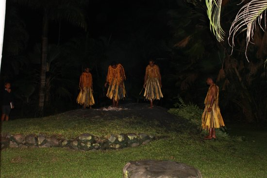Fiji Hideaway Resort & Spa : fire walking was great