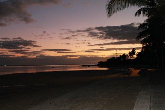 Fiji Hideaway Resort & Spa: sunset