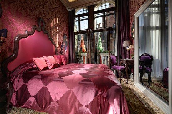 Palazzetto Madonna: Room