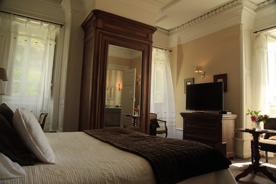 Chateau Clement: Our bedroom