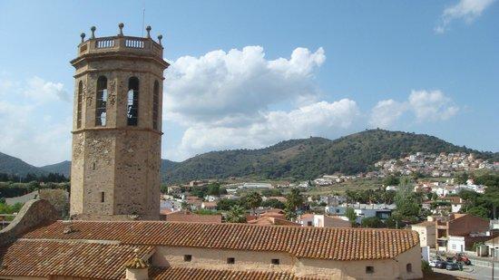 Hotel Merce : вид с крыши гостиницы на церковь