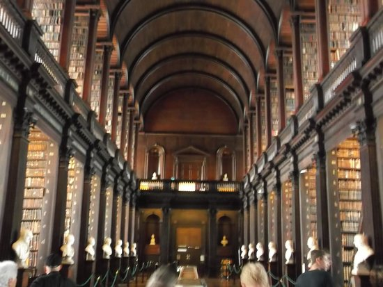 The Book of Kells and the Old Library Exhibition : trinity