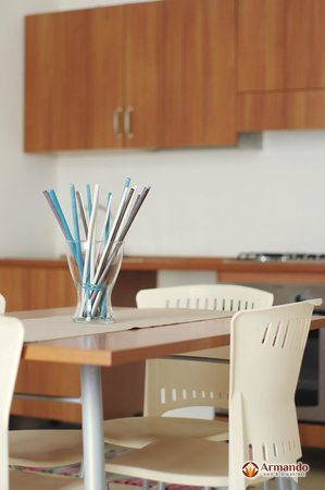 B&B Armando: camera con soggiorno e cucina