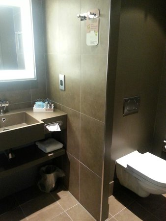 Novotel Leeds Centre: Bathroom 1