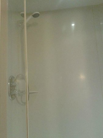 Travelodge Tewkesbury Hotel: Power Shower