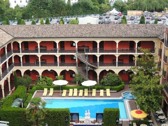 Hôtel Castillo Alcazar : Вид из окна номера.
