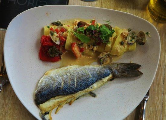 Grand Cafe Horta : Bar, pappardelle, vongole, king krab, sauce à base de parmesan poivrons grillés