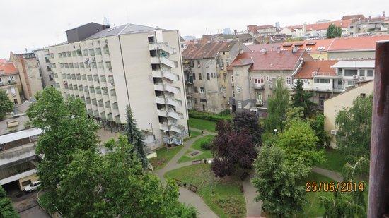 Hotel Jadran Zagreb: vista para as traseiras do hotel