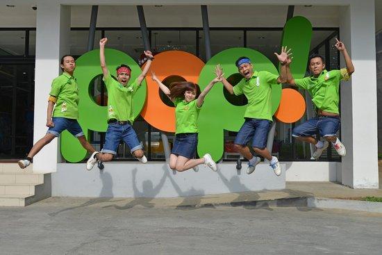 POP! Hotel Tebet Jakarta : The staff