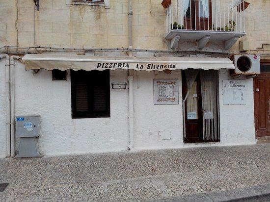 La Sirenetta: Esterno pizzeria