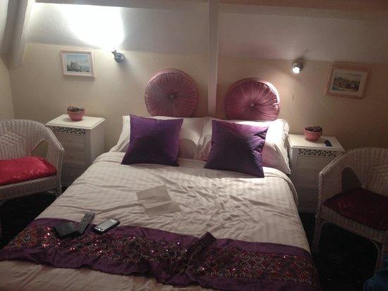 Estoril Hotel : Room 8. Top floor.