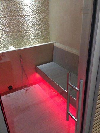 Villa Madruzzo : Bagno turco con cromo terapia
