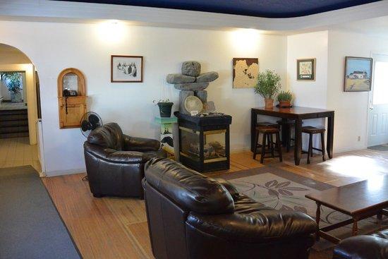Tundra Inn : Lobby