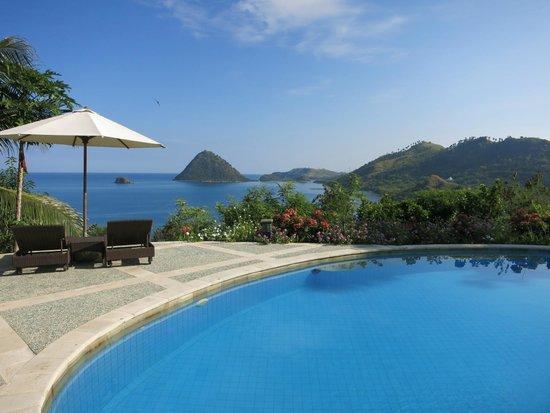 Golo Hilltop Hotel & Restaurant: The Pool