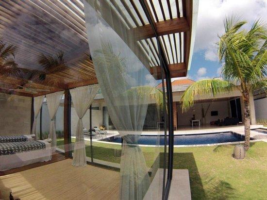 One Eleven: Sala de masajes y Villa - Massage Room and Villa