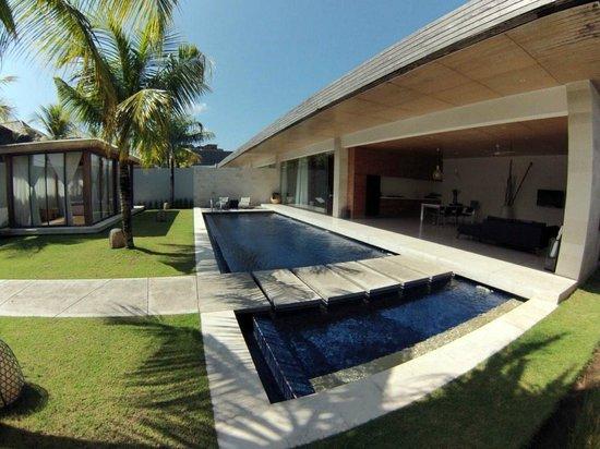 One Eleven: Piscina y Villa - Swimming pool & Villa