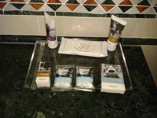 Hotel Santo Domingo Madrid: набор туалетных принадлежностей
