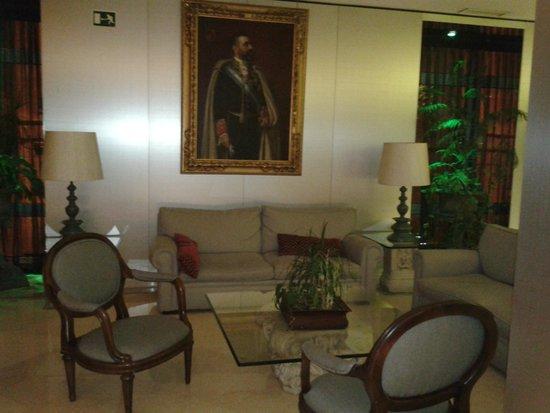 Hotel Santo Domingo Madrid: зона отдыха на этаже