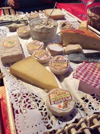 Auberge de la grange du Cros: Cheese paradise!