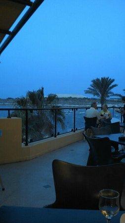 Luzzu Restaurant: Sea view