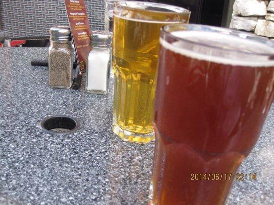 Brewhouse at Whistler: 地ビール  ウィスラーのビールは泡なしが多いのはなぜ?