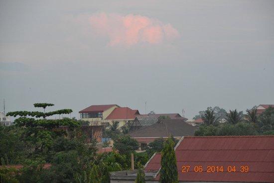 Areca Angkor Boutique: Рассвет с балкона.