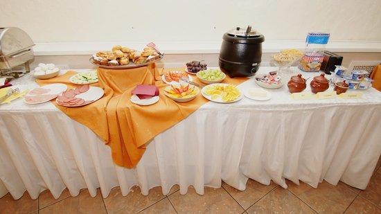 Hotel Arena: Завтрак шведский стол