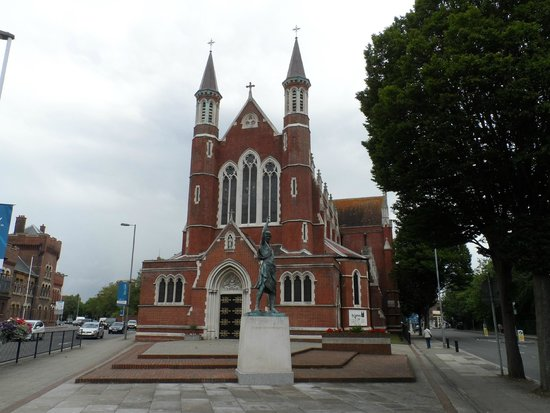 St John's Catholic Cathedral: Outside the cathedral