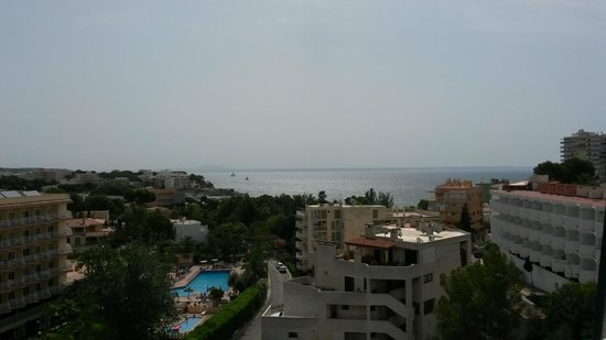Globales Palmanova Palace Hotel: View on the balcony