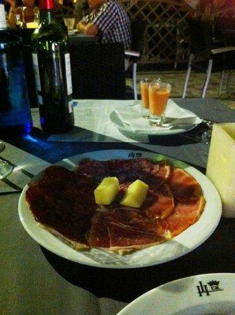 Hotel Conde Rodrigo II: Entrantes menú degustación