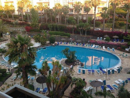 Hotel Puerto Palace : Der Ausblick von unserem Balkon, auf die üppig bepflanzten Poolanlage