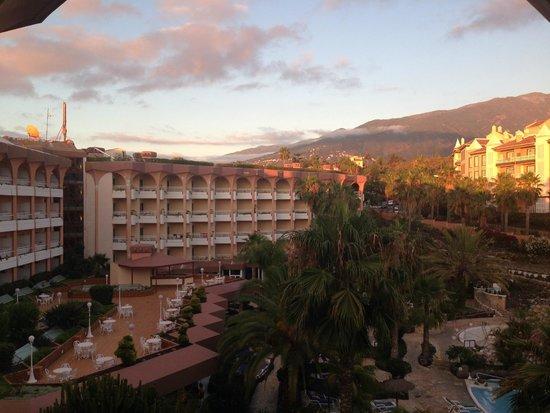 Hotel Puerto Palace : Sonnenuntergang aus Balkonsicht mit Blick auf das Puerto Palace
