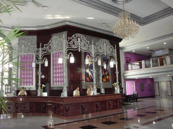 Hotel Riu Palace Mexico: Lobby check-in