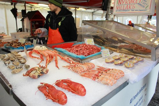 Fish Market : подходи не ленись - покупай живопись...