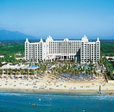 Hotel Riu Vallarta: Aerial hotel view