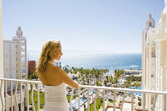 Hotel Riu Vallarta: View from the terrace
