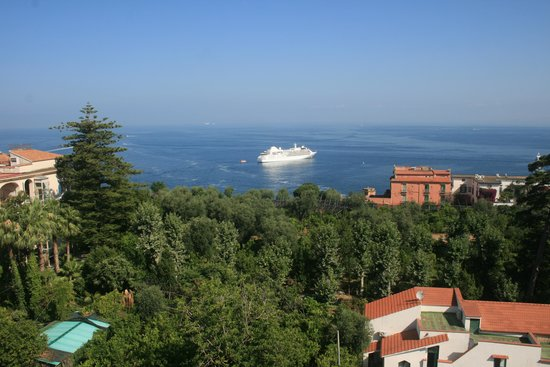 Grand Hotel De La Ville Sorrento: part of the view from roof top