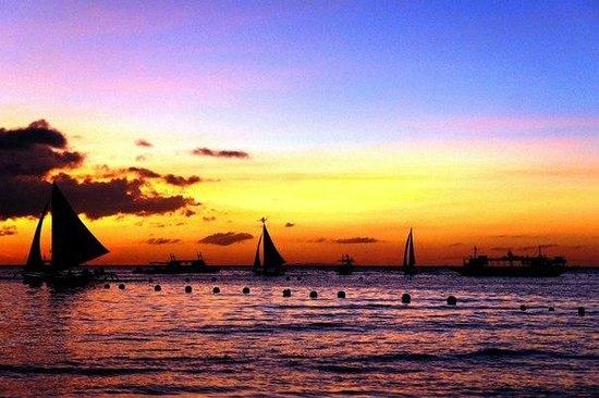 Boracay Mandarin Island Hotel : Шикарные закаты на о.Боракай