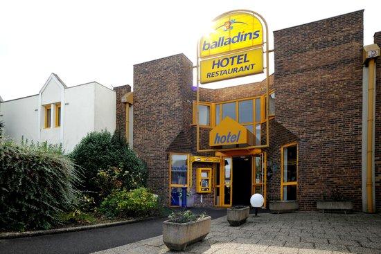 Hotel balladins Tours Nord: Façade