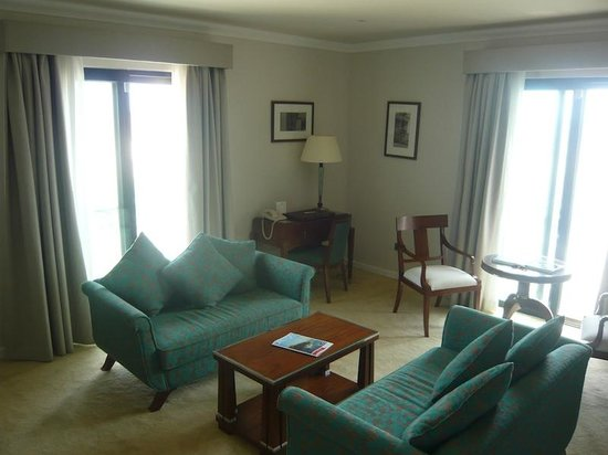 The Phoenicia Malta : Suite 432 Sitting Room