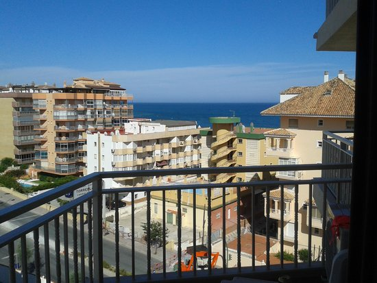 Hotel Mainare Playa Fuengirola: view of the sea from room 705 doesn't do it justice much prettier when there