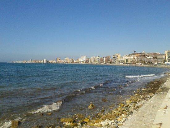 Hotel Mainare Playa Fuengirola: looking towards los bolchies and Fuengriola from torreblanca