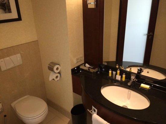 Marriott Köln: Badezimmer