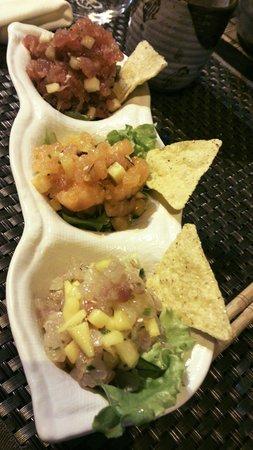 Sushi Zen: Tris di tartare : tonno-mela, salmone-pesca, branzino-mango!