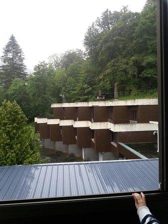 Hotel Le Panorama : Vue du balcon de notre chambre....vraiment pas top.