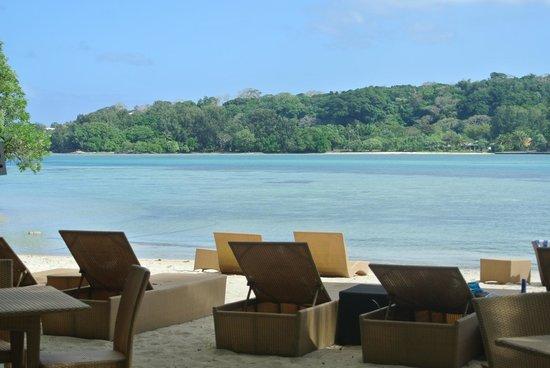 Erakor Island Resort & Spa: Beach area near Calypso Bar