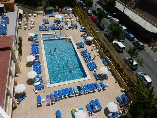 Servigroup Orange Hotel: No trouble getting a sunbed