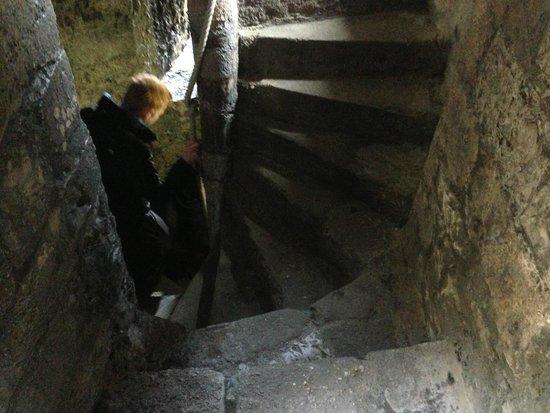 Caernarfon Castle: 一人だと怖いカイダン