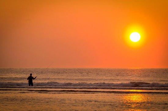 Meadowmere Resort: Fisherman at sunrise in Ogunquit!
