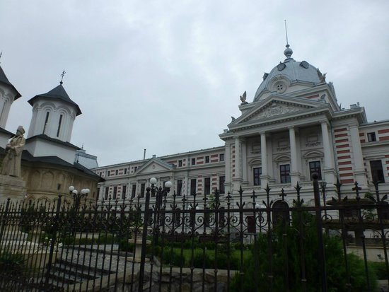 Old Town : Colțea hospital.